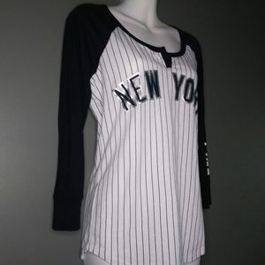 VS Pink 5th & Ocean NY Yankees Top Sz S